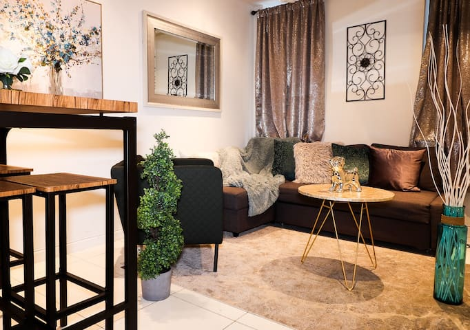 Private Oasis in UWS near Subway, Centr Park &MORE