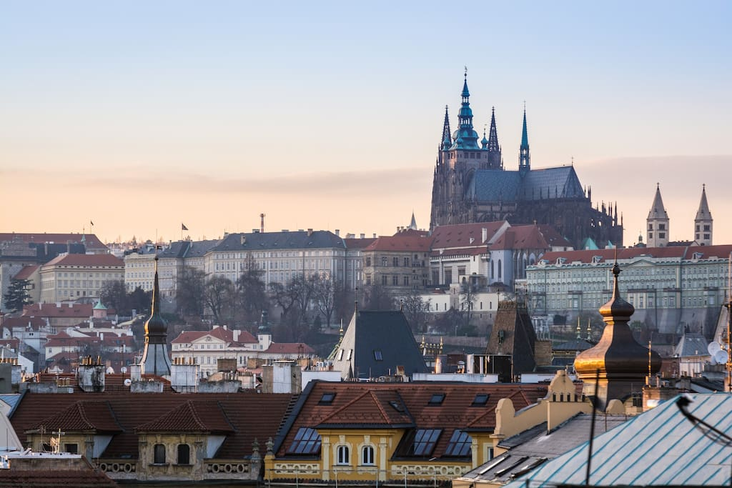 great view of prague old town 2 bedrooms roy. Black Bedroom Furniture Sets. Home Design Ideas