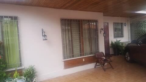 Habitación  en Residencial Los Faroles Curridabat