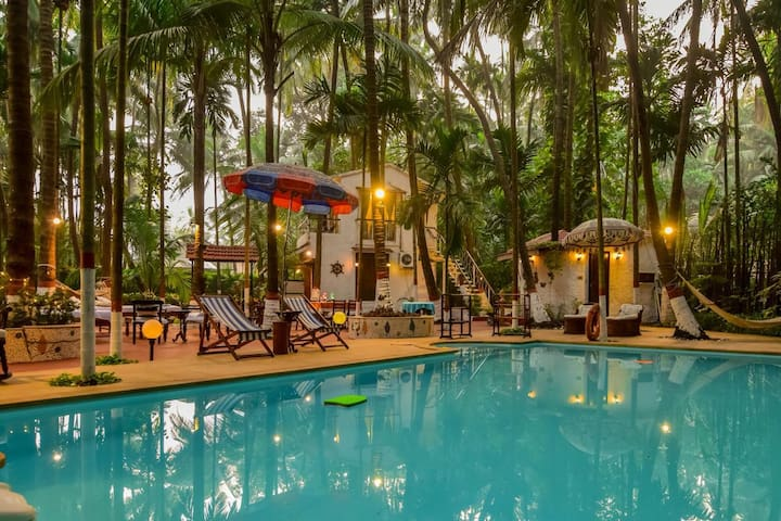 EKOSTAY | 4BHK Pvt Pool FarmHouse (Casa De Alibag)