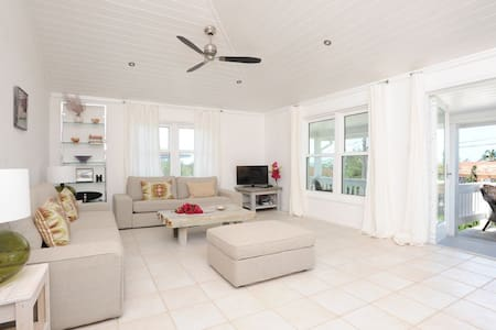 Low Cay House - Villa