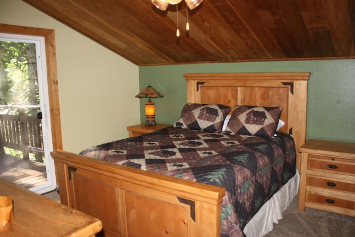 Master #1 has a HUGE deck attached. With a queen bed and lodge style bedroom set.