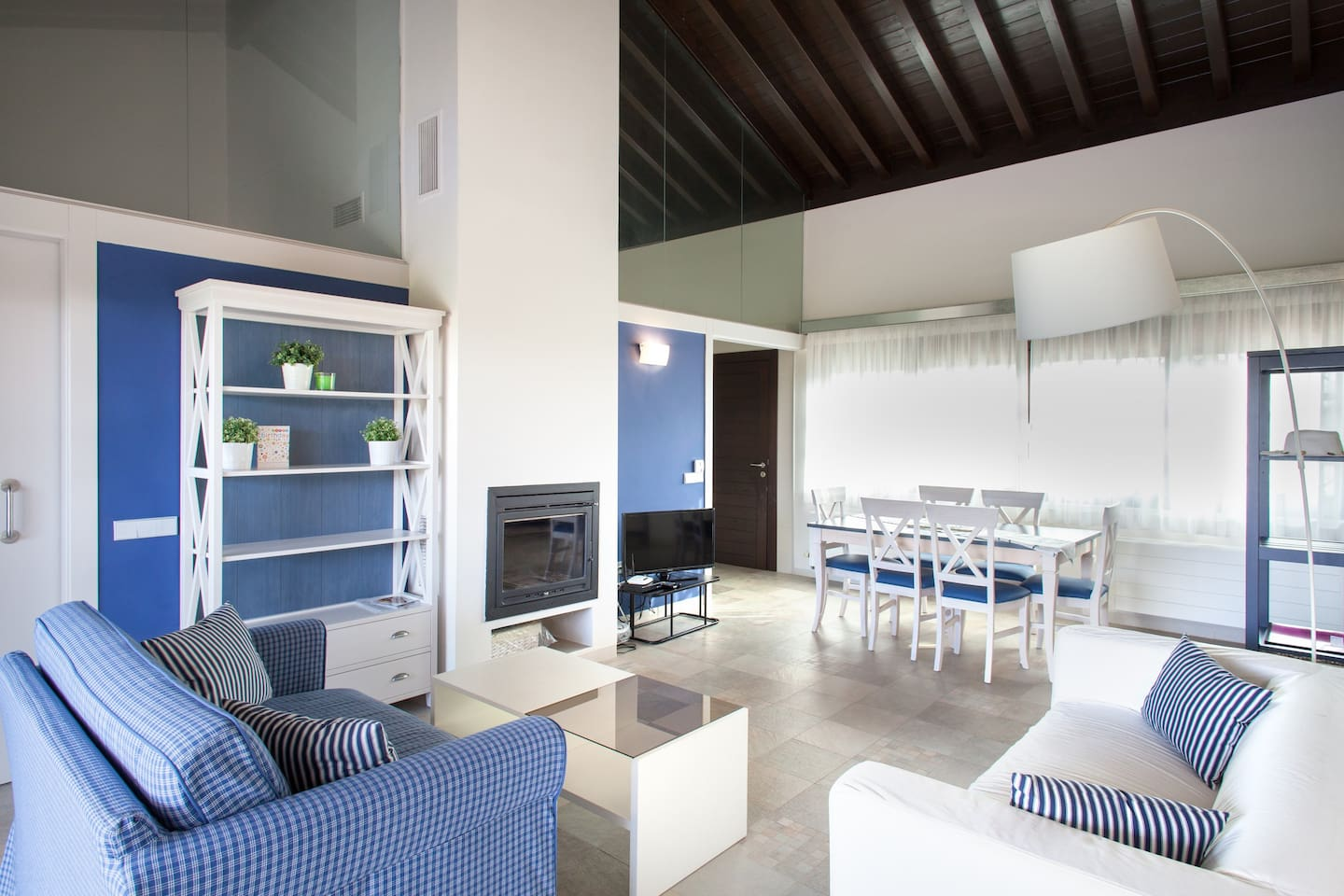 Spacious and comfortable living and dining areas