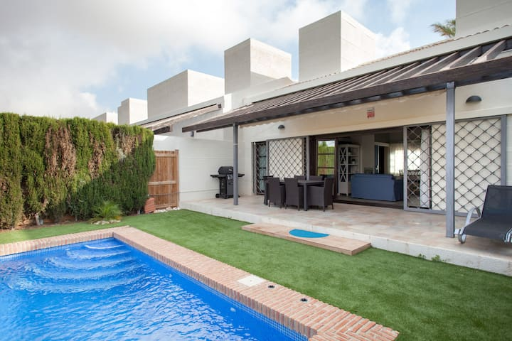 Private swimming pool, al fresco dining area, sun-beds and barbecue.