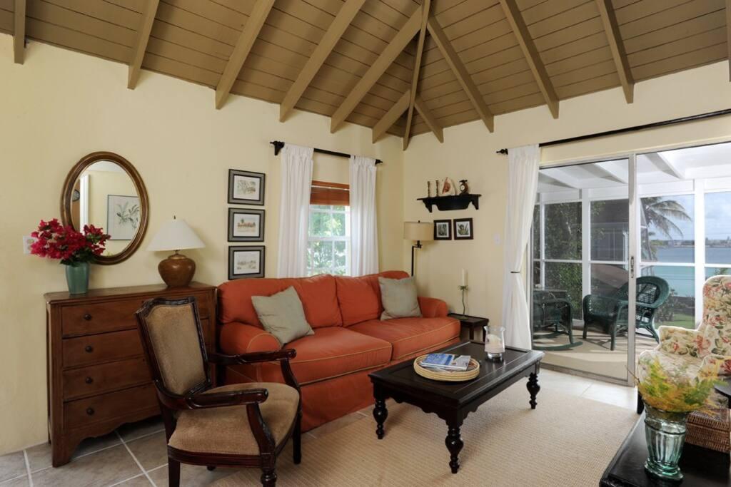 Upstairs living room with lanai beyond
