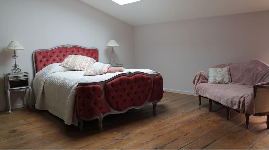 chambre au calme avec salle de bain - Roquefort - Casa