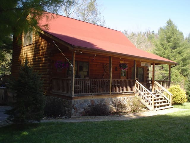 Gorgeous Log Cabin on Snowbird Creek Best Location - Robbinsville - Houten huisje