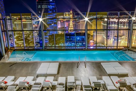 STRIP LUXURY CONDO WITH VIEW!!!!