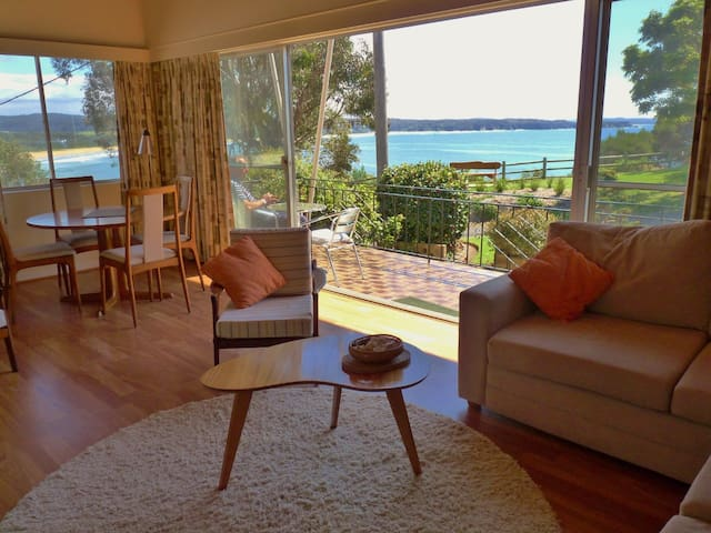 'Clifftop'-Retro House & Best Views - Tathra