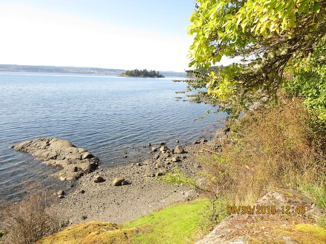 Huckleberry Seaside Cabin, Gowland Hb., Quadra Isl - Heriot Bay - Cottage