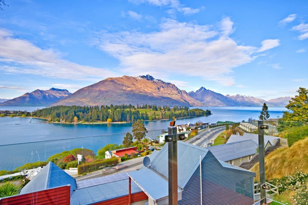 Big lake views earnslaw terrace queenstown hill flats for 5 the terrace queenstown