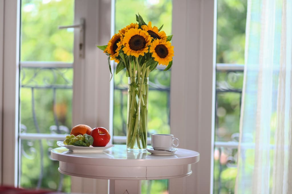 Flowers and fruits daily