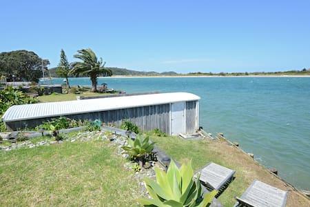 Amazingly Waterfront - Ngunguru