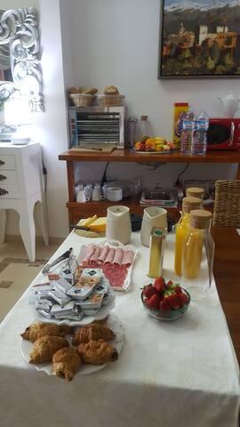 Bonita - Atarfe - Oda + Kahvaltı
