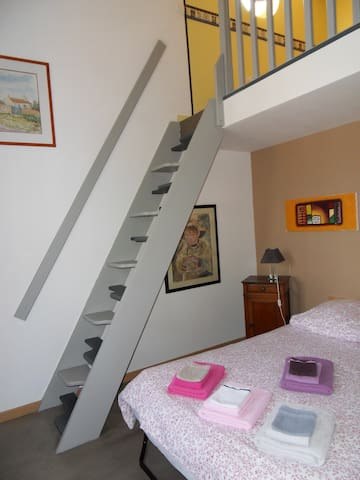 """Chambre """"Camomille"""" pour 4 pers. - Oppède - Bed & Breakfast"""