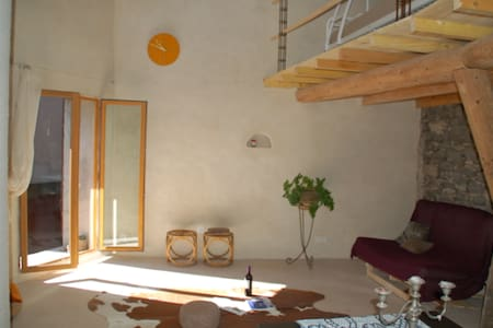 Attractively furnished cosy loft. - Caux