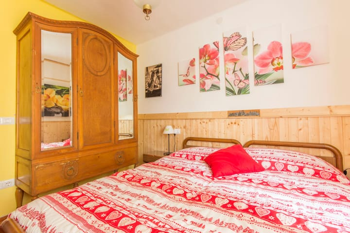 """Room Flower"" in val rendena - Iavré - House"