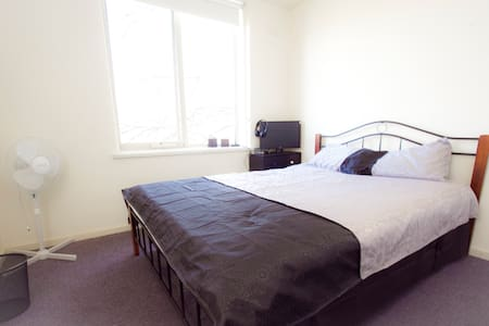 PRIVATE ROOM-QUEEN S B, South Yarra