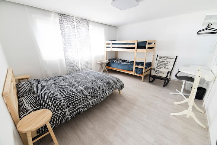 """Comestay"" Double bed+bunk bed Room KR"