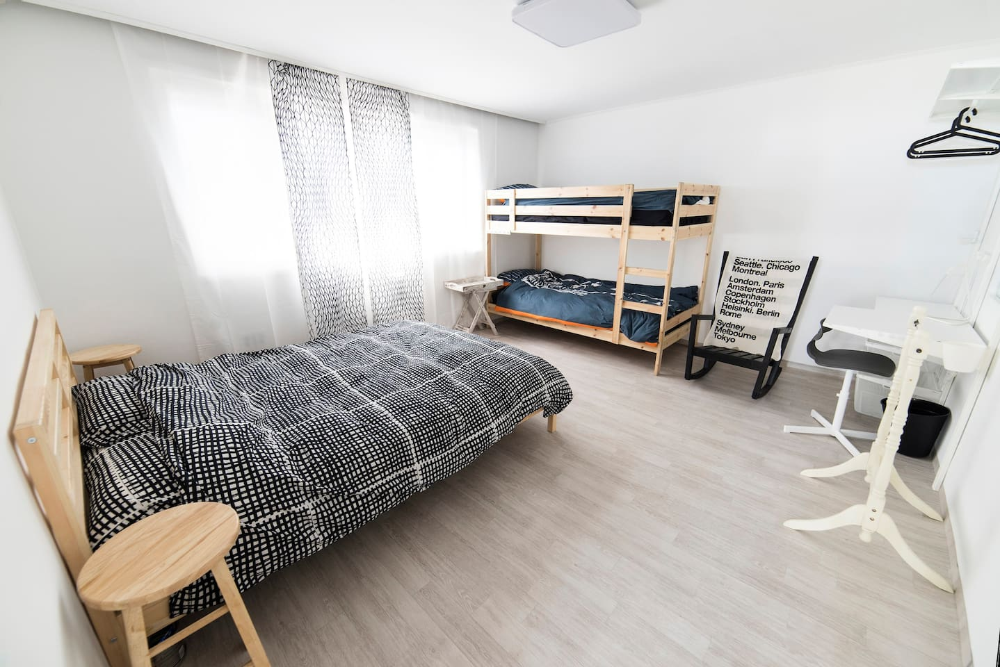 Room KR (Korea) : spacious and huge double bedroom with an Extra up and down single bunk bed for up to 4 person