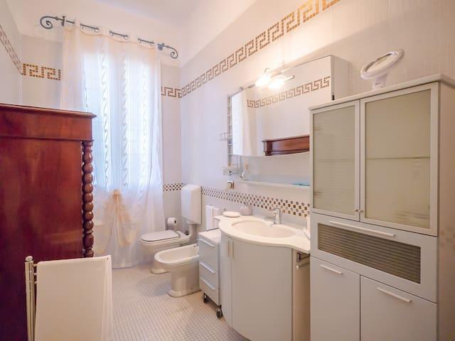R&B Villa Bellini Camera Retro' n.1 - Porto Garibaldi- Comacchio - Bed & Breakfast
