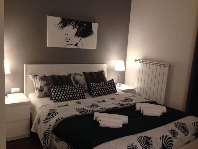 3 bedroom apt with 3 private bath - Roma - Bed & Breakfast
