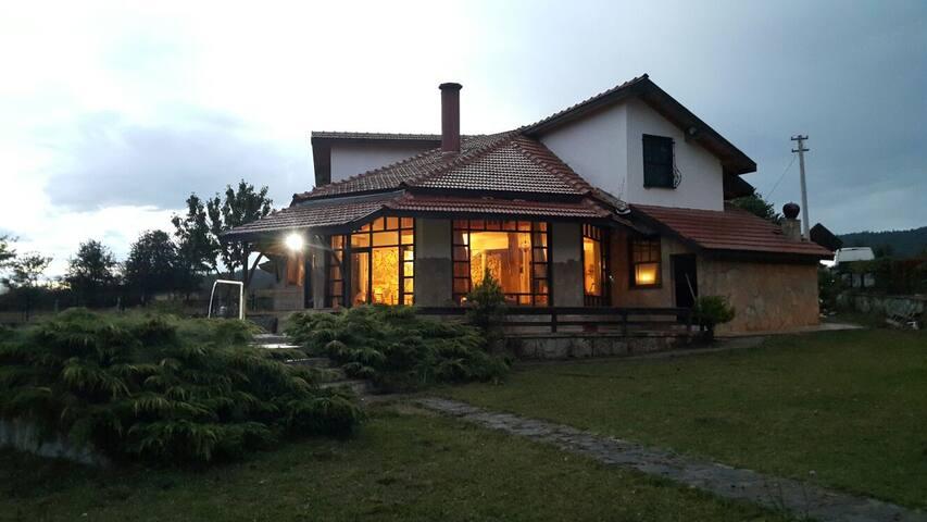 ABANT'TA KİRALIK MÜSTAKİL VİLLA - Bolu Merkez - Villa