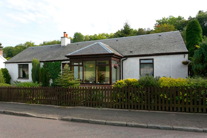 Catalan Cottage ensuite with porch - Tillicoultry - Chalet
