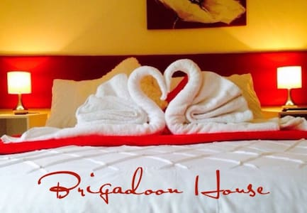 Room type: Private room Property type: Bed & Breakfast Accommodates: 3 Bedrooms: 1 Bathrooms: 1