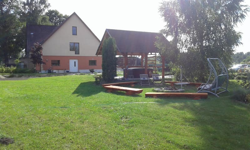Guest house 35 km from Riga - Augšciems - Bed & Breakfast