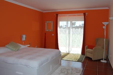 Buddha Peaceful Oasis - Suite Lotus - Santa Susana (Aldeia de Santa Susana)
