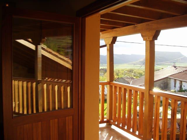 Casa Rural Cova Racino.Norte Burgos - Villamartín de Sotoscueva - Hus