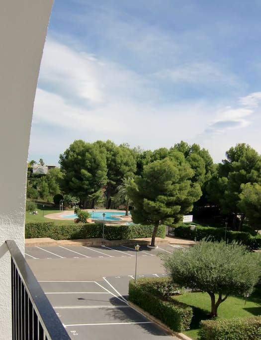Vistas terraza. Piscina