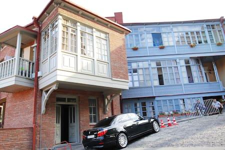 квартира в районе Старого Тбилиси - Τιφλίδα - Διαμέρισμα