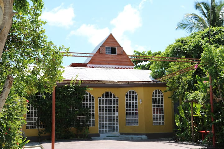 Beautiful creole styled house. - Jacmel