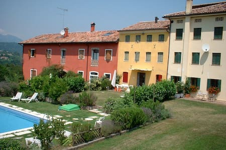 Vacation villa with swimming pool - San Pietro di Feletto