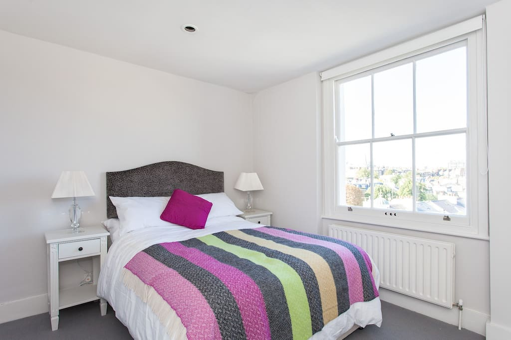 Newly decorated bedroom, Queens size bed.  All linen provided