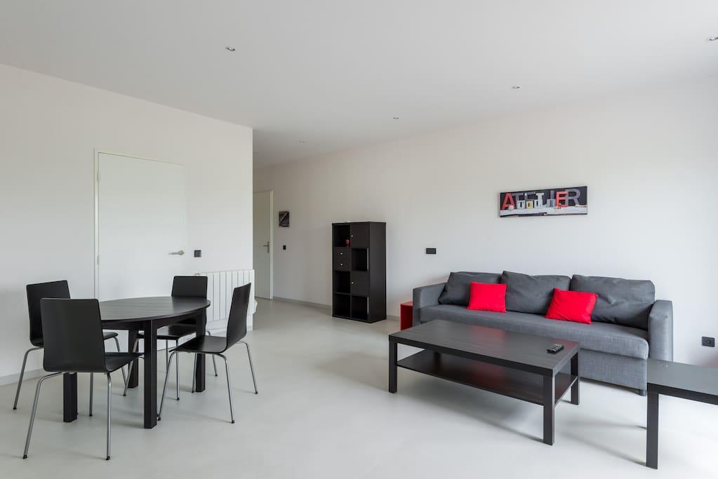 Appartement rez de jardin en campagne proche lyon flats for Appartement rez de jardin lyon