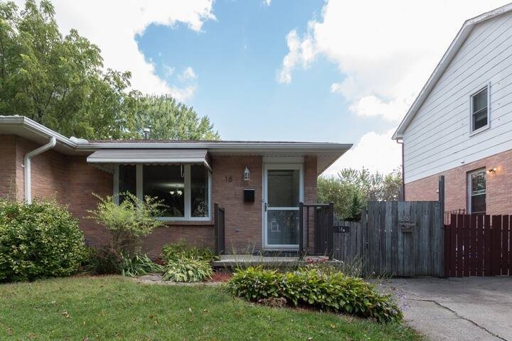 Beautiful fully renovated 3 bedroom