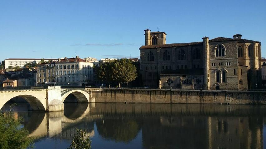 Vue sur vieille ville Romans - Bourg-de-Péage - House