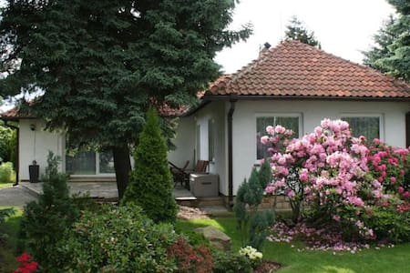 House & garden in stylish location - Praha 9 - Klánovice