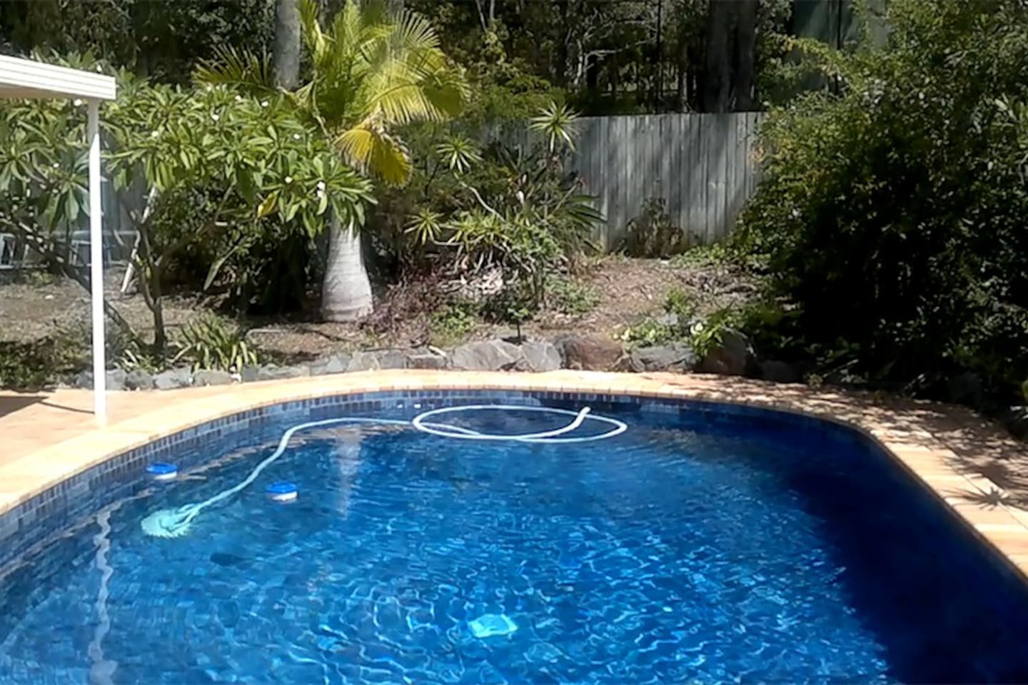 Gold Coast Holiday house, with pool, close to everything - six bedrooms.
