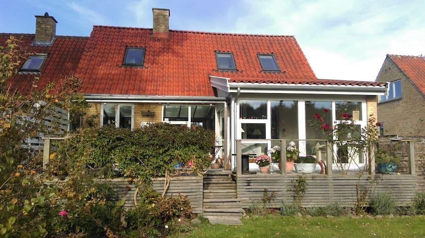 Nice villa close to Copenhagen. - Værløse - Casa