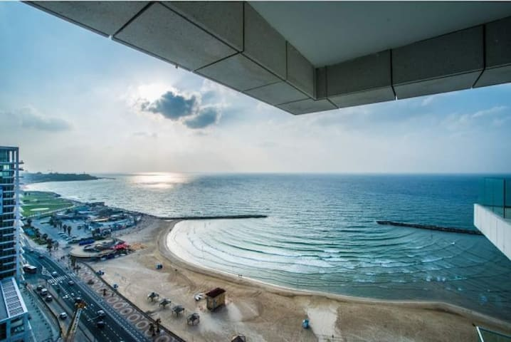 2 Bedroom Royal Beach 3 - Tel Aviv-Yafo - Flat