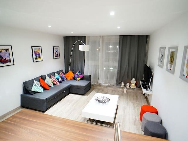 Modern Apartment in L2A Centre