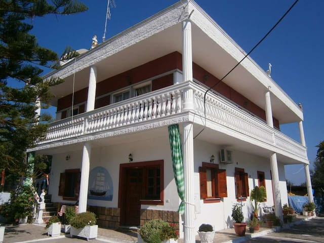 Cottage house escape (2-6 persons) - Neochori - House