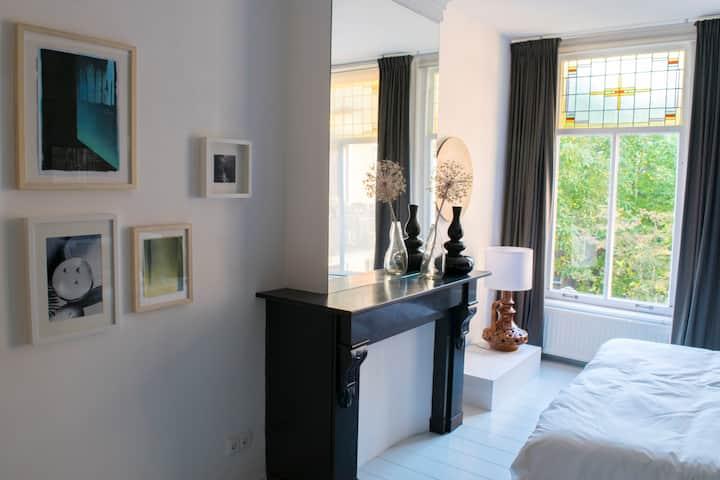 Charming room in De Pijp