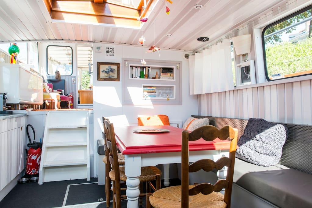 chambre d 39 h tes sur p niche bateaux louer nantes pays de la loire france. Black Bedroom Furniture Sets. Home Design Ideas