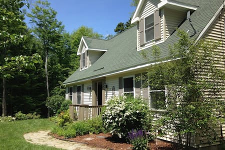 Newer home in peaceful mountains - Newbury - Hus