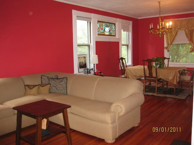 2 Floor 3 Bedroom in Springfield,MA - Springfield - Dům